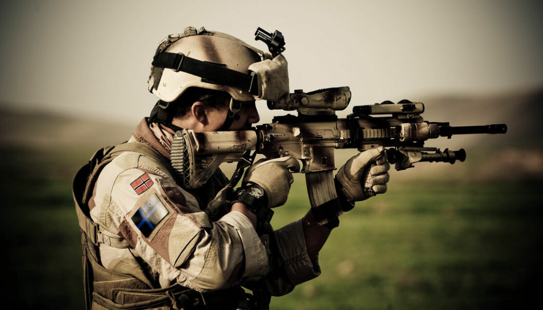Forsvarsdepartementet melder om at norske soldater i Irak ikke vil bli trukket ut, men at situasjonen for norske styrker i utlandet vurderes løpende i forbindelse med koronapandemien.