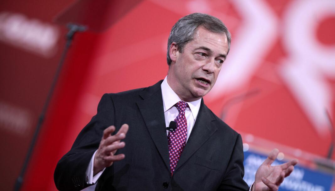 Nigel Farage fortsetter som leder av partiet som nå har skiftet navn fra Brexit Party til Reform UK.