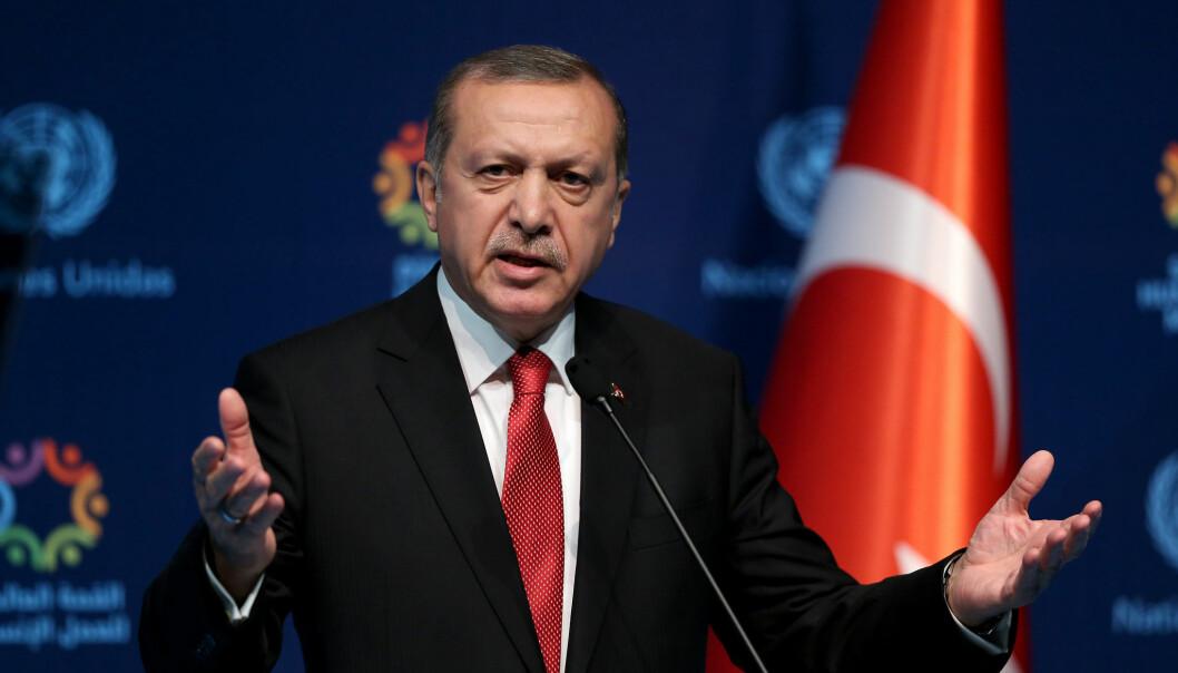 Tyrkias president Tayyip Erdogan involvere sitt land stadig dypere i konflikten mellom Armenia og Aserbajdsjan