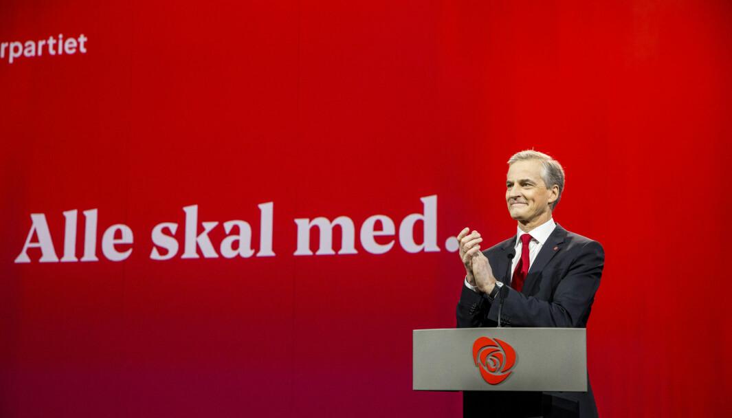 I Dagbladet i dag hevder Jonas Gahr Støre at koronakrisen har avkledd Høyre. Det er kanskje ikke så overraskende at et Arbeiderparti som er presset fra venstre tyr til den typen retorikk, skriver Lars Kolbeinstveit.