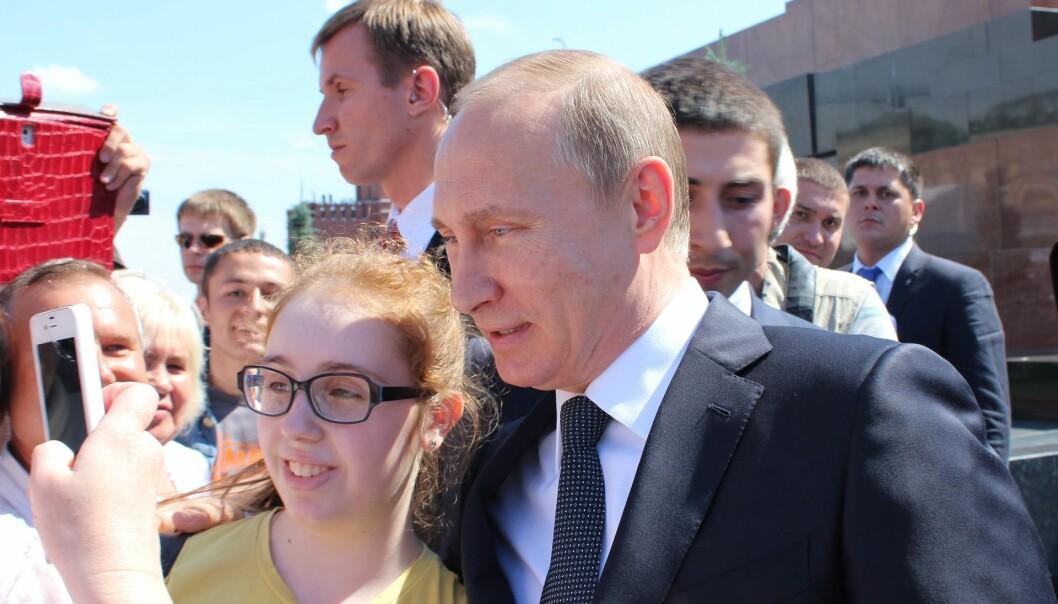 Hvordan kan Putin være så populær, spør Berhnard L. Mohr i sin nye bok.