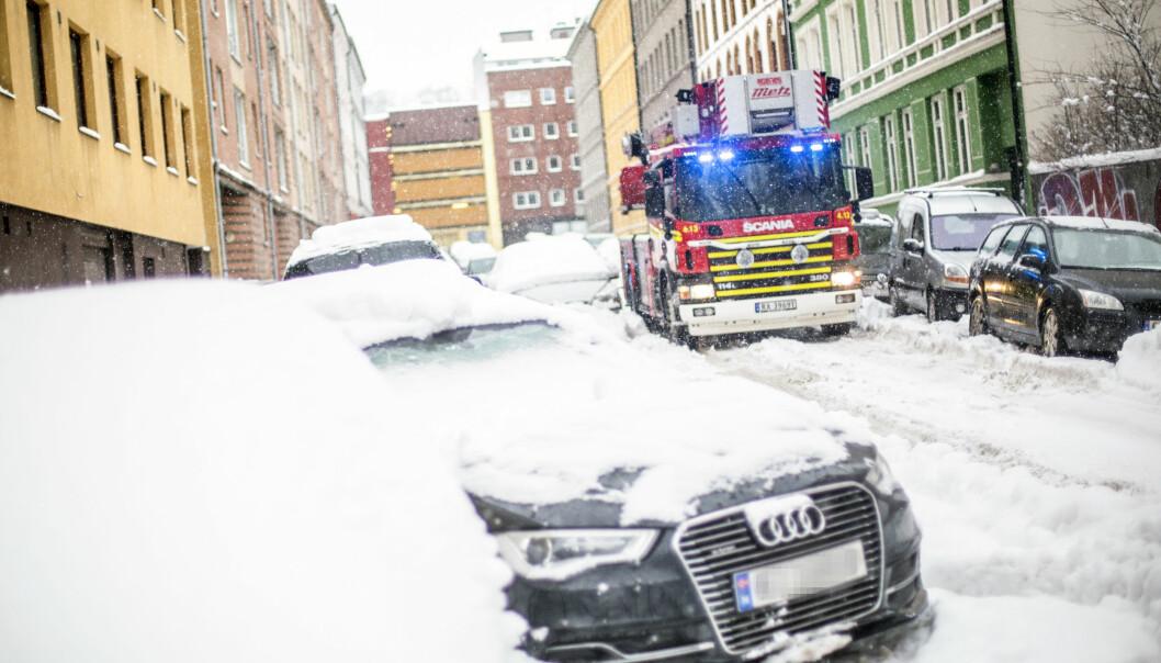 Redusert framkommelighet for utrykningskjøretøy i Oslo i forbindelse med stort snøfall.