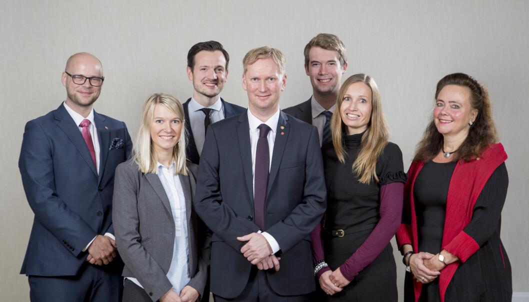 Fra venstre: Pål Hafstad Thorsen (Ap), Rebekka Ljosland (Krf), Dag Inge Ulstein (Krf), Harald Schjelderup (Ap), Erlend Horn (V), Julie Andersland (V) og Anna Elisa Tryti (Ap).