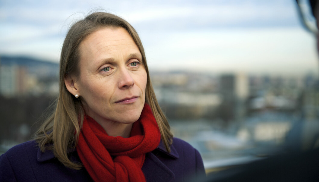 - Det er internasjonalt attraktivt med tanke på lønn og arbeidsvilkår å ta en doktorgrad i Norge, men ikke like attraktivt å bli etterpå, mener President i Tekna, Lise Lyngsnes Randeberg.