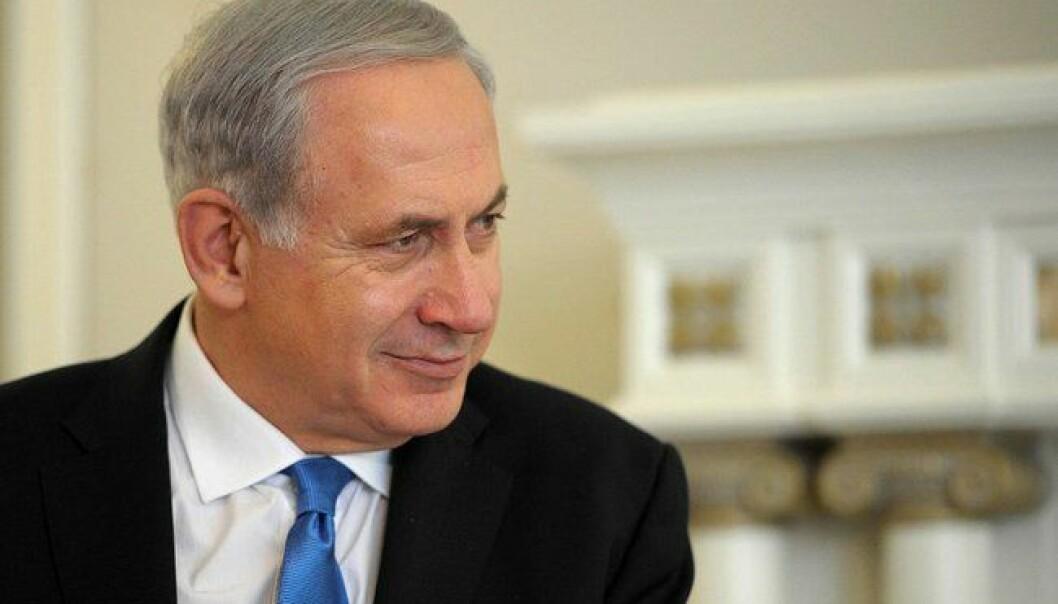 Binyamin Netanyahu har gått svært langt i å ta ekstreme krefter inn i varmen i israelsk politikk  for å sikre seg fortsatt makt.