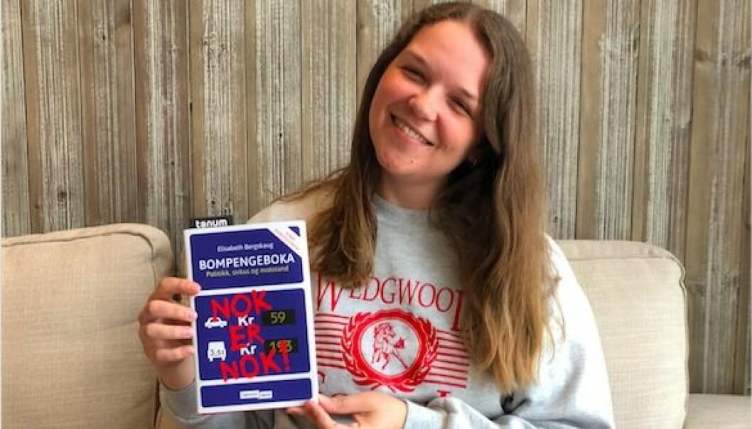 Elisabeth Bergskaug har skrevet bok om bompenger. Til daglig er hun journalist i ABC Nyheter med samferdsel som spesialfelt.