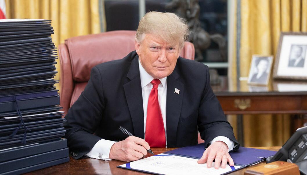 President Donald Trump vil bort fra multilateralismens åpenhet og likebehandling, og heller handle bilateralt, og true seg til best mulige vilkår for USA vis-à-vis hvert enkelt land han forhandler med, skriver artikkelforfatteren. Foto: Det hvite hus