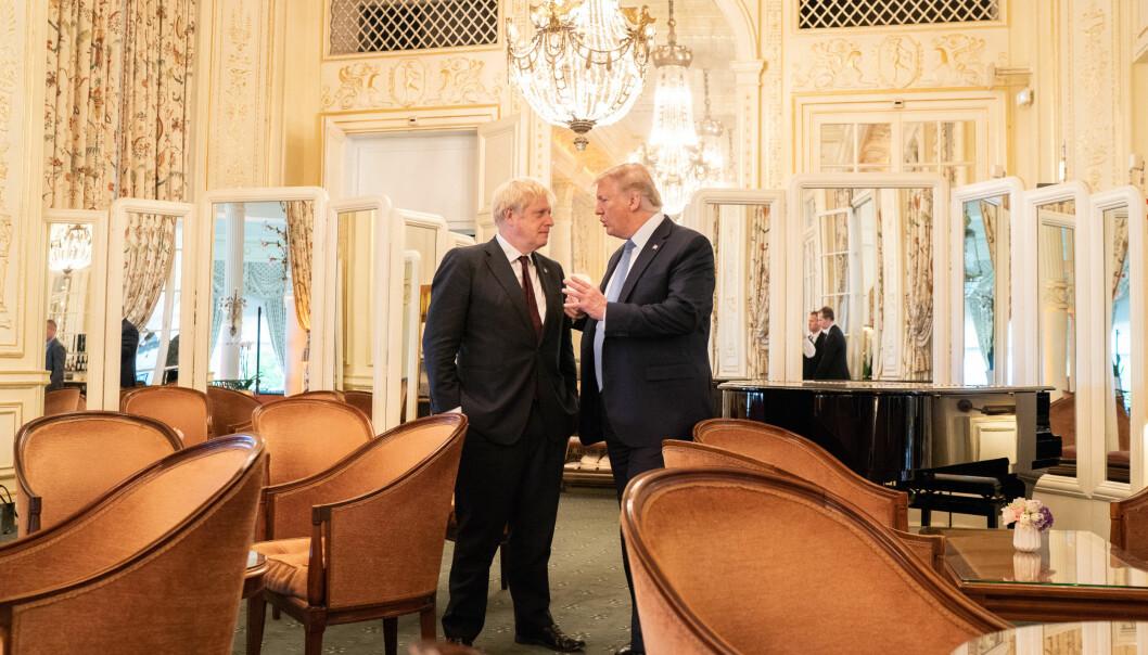 Storbritannias statsminister Boris Johnson og USAs president Donald Trump på G7-møtet i Biarritz i august. Både Johnson og Trump er populister som skaper mye oppstyr og rabalder. Foto: Det hvite hus.