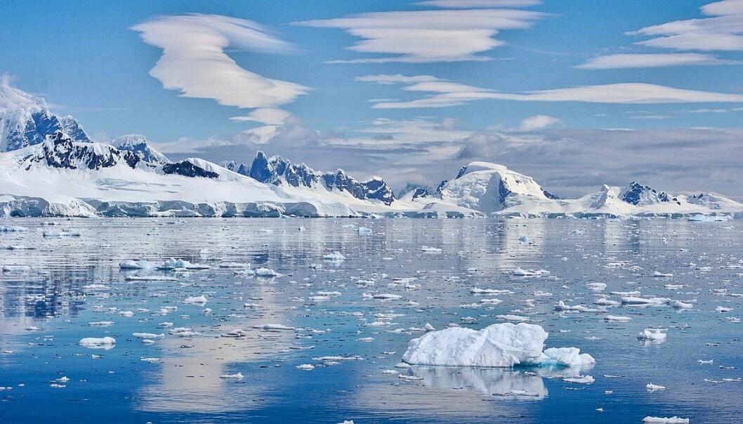 Is smelter blant annet i Antarktis, og bidrar til betydelig høyere havnivå. Foto: Rob Oo, CC 2.0.