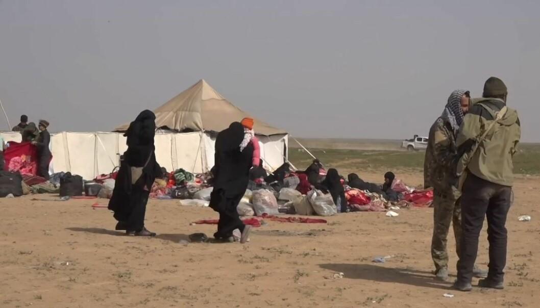 Norske IS-kvinner og barn holdes fanget i leirene al-Hol og al-Roj, som voktes av kurdiske styrker.