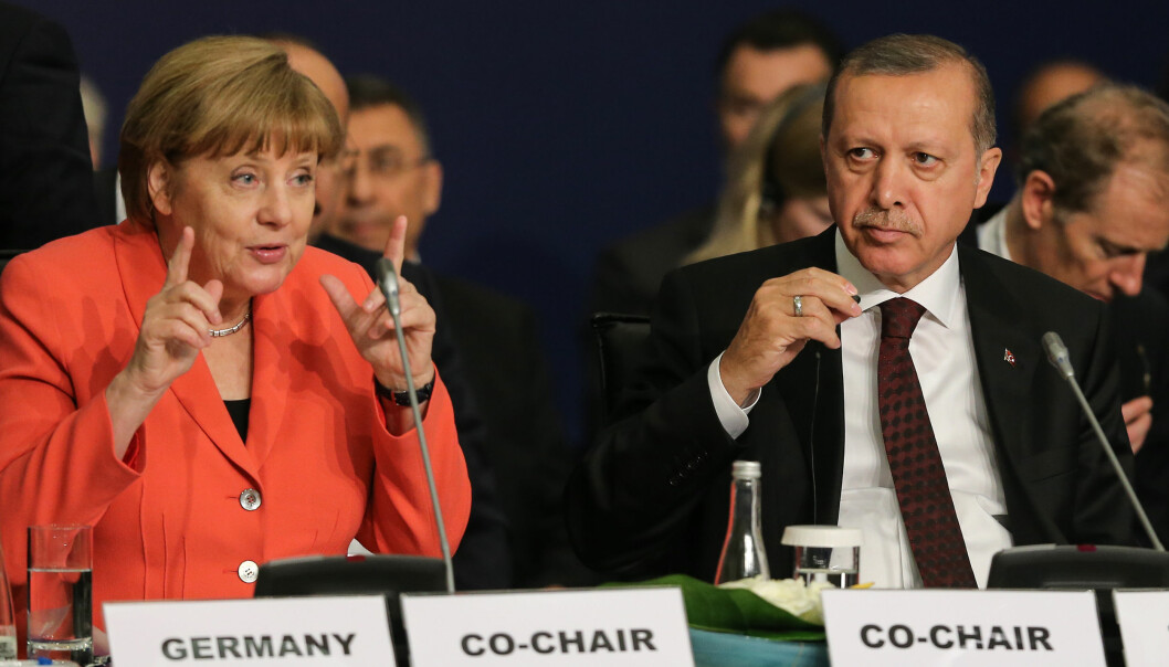 Angel Merkel og Recep Tayyip Erdogan i Istanbul våren 2016. Foto: Salih Zeki Fazlıoğlu for World Humanitarian Summit CC BY-ND 2.0