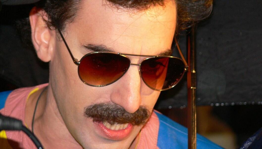 Sacha Baron Cohen, her som sitt alter ego Borat, gikk torsdag til frontalangrep på Facebook.