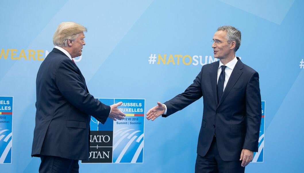 Jens Stoltenberg kjemper nå for NATO slik C.J. Hambro kjempet for å redde Folkeforbundet i 1940. Tilsynelatende med samme hell, skriver Asle Toje. Her fra et møte mellom Stoltenberg og Donald Trump i Brussel 11. juli 2018.