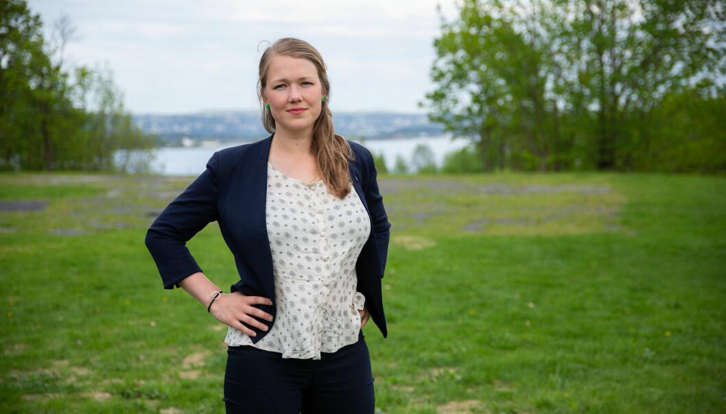 Når Une Bastholm (bildet) sier MDG er klart for et regjeringssamarbeid med Høyre eller Arbeiderpartiet er det på tide at partiet stilles til ansvar for politikken deres, skriver kronikkforfatteren.