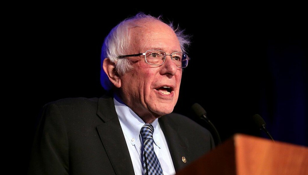 Bernie Sanders insisterer på å kalle seg demokratisk sosialist. Det gjør ham til en skyteskive for mange.