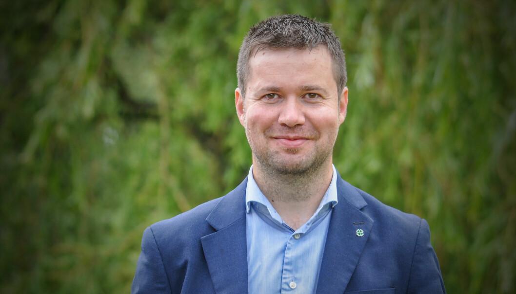 Det kan virke som om flere og flere politikere tror de er valgt til å være samfunnsdebattanter, skriver Torbjørn Sølsnæs. Det seneste eksemplet kommer fra Senterpartiets Geir Pollestad (bildet), som skapte reaksjoner med sin Facebook-post om Michelinrestauranter.