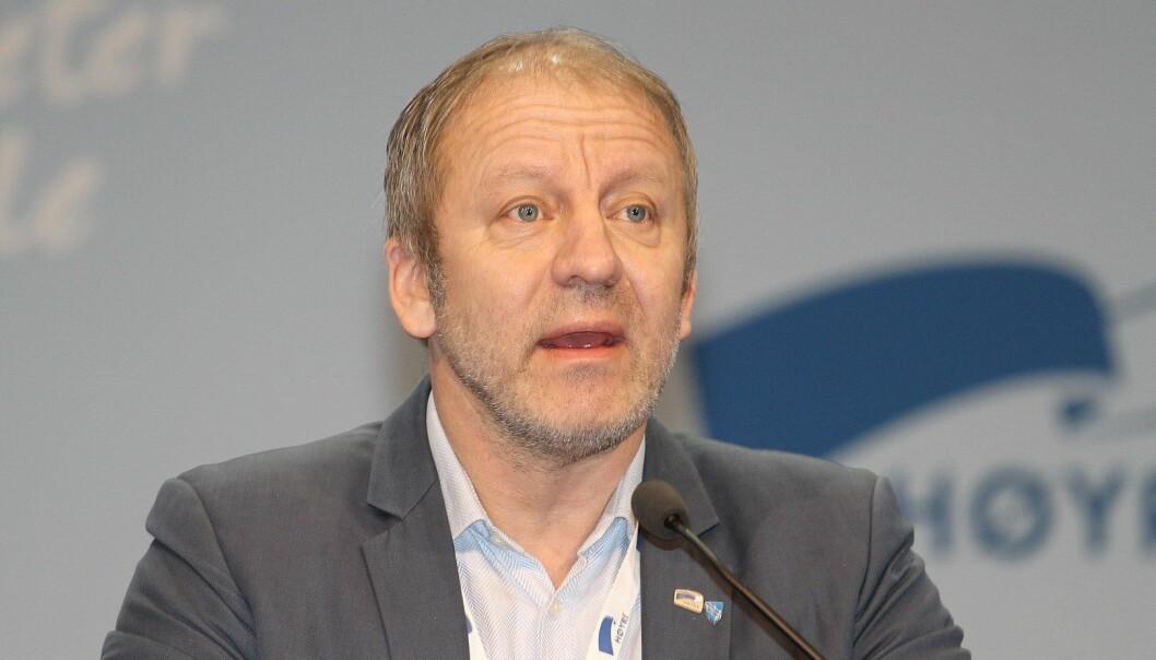 I HARDT VÆR: Fiskeriminister Geir Inge Sivertsen (H)