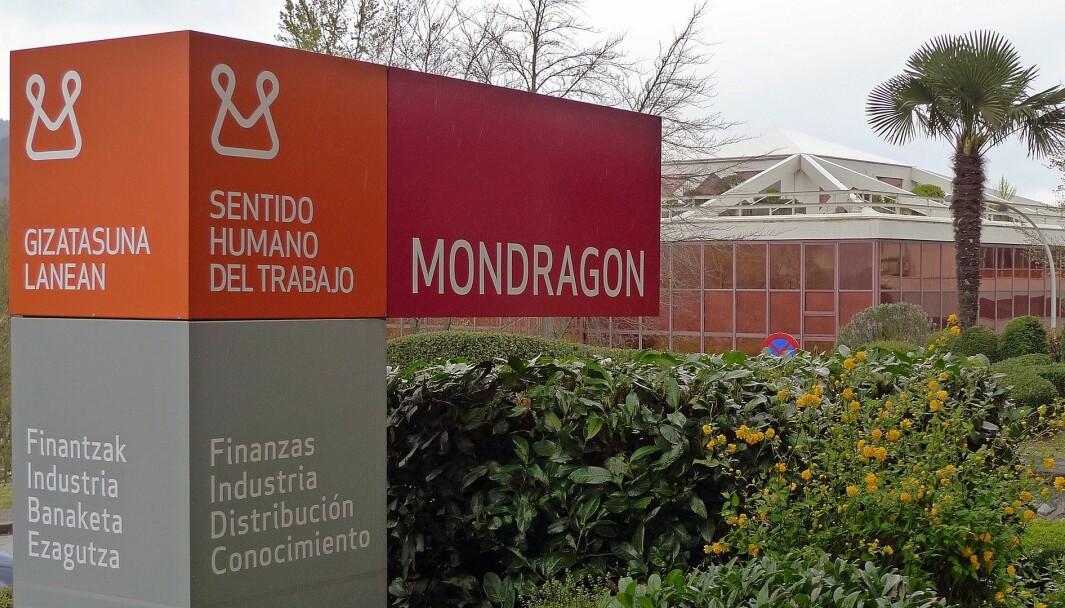 Over 80 000 mennesker jobber i Corporación Mondragón, en av Spanias største bedrifter. Det er et slags konsern hvor arbeiderkooperativer kan tilslutte seg, skriver innleggsforfatteren.