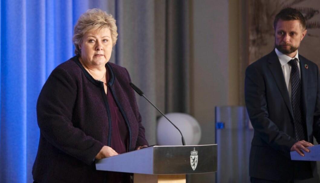 Erna Solberg er ingen Winston Churchill, men det trenger hun heller ikke være. Hennes erfaring med å håndtere kriser og meritter med å løse dem, står støtt av seg selv, skriver Torbjørn Sølsnæs.