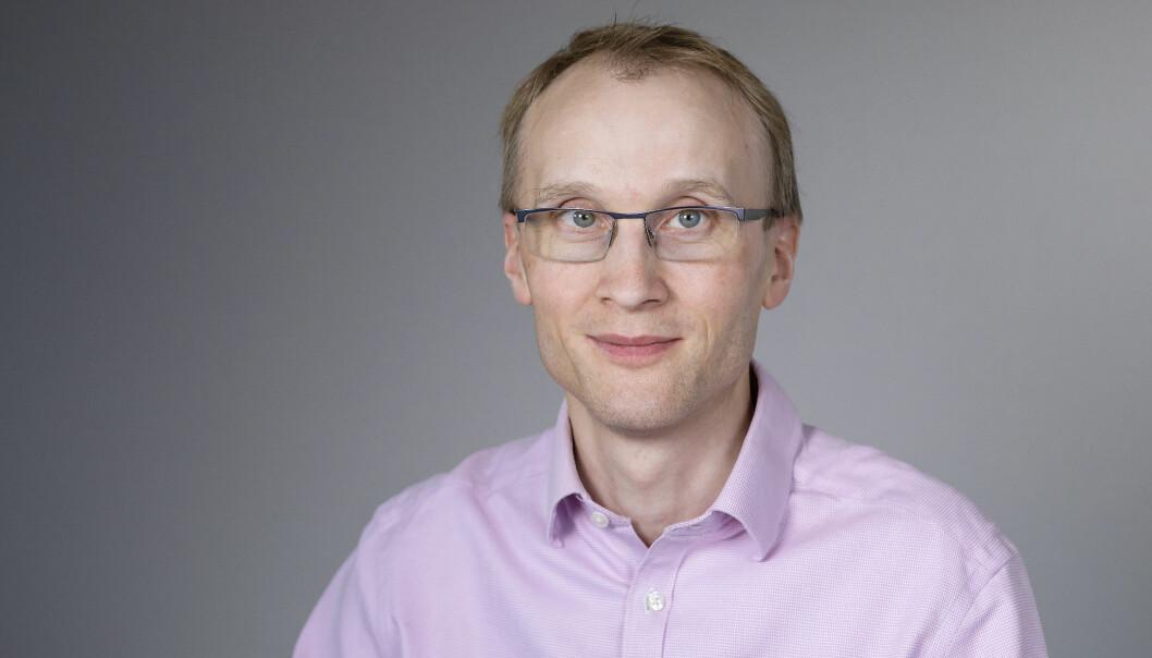 Åke Brännström, professor i matematikk ved Umea Universitet i Sverige, er kritisk Folkhälsomyndighetens manglende transparens i kalkulering av koronaprognoser.
