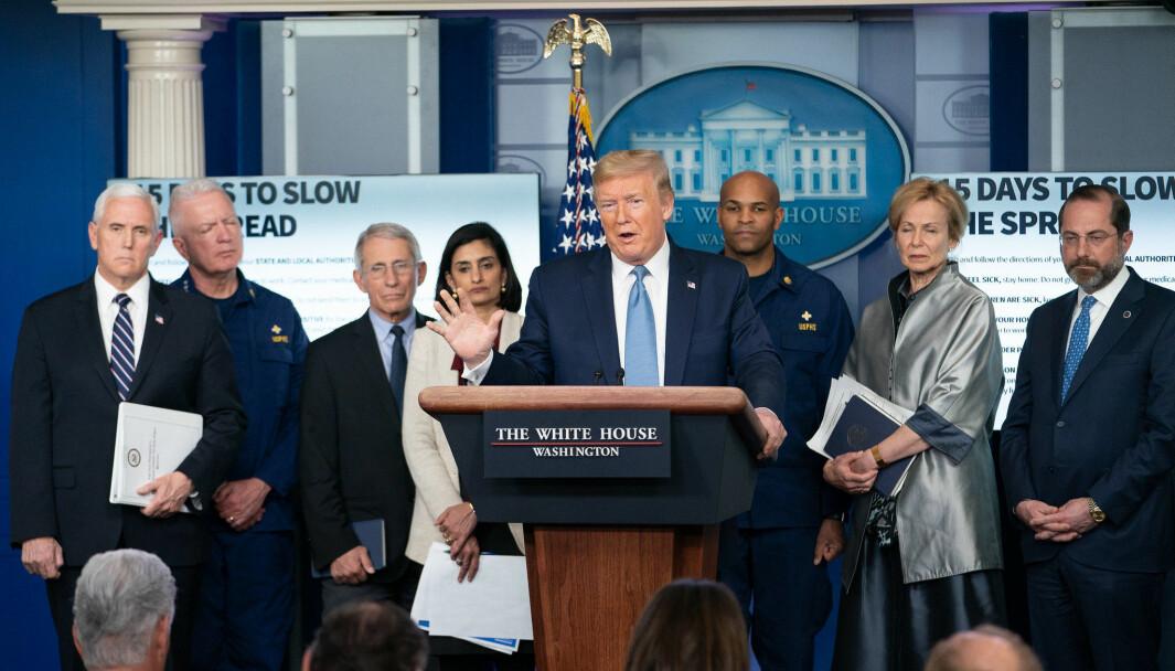 Espen Teigen har fulgt de daglige pressekonferansene Donald Trump har holdt i Det hvite hus den siste tiden. Han mener Trump ser ut til å lykkes med sin kommunikasjonsstrategi overfor det amerikanske folk.