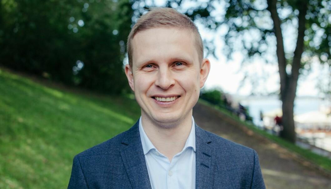 – Mange i kristen-Norge er ganske vanlige folk, som i mangel av noe bedre ser på Visjon Norge, sier Erik Lunde (KrF) i påskesamtale med Ivar Staurseth.