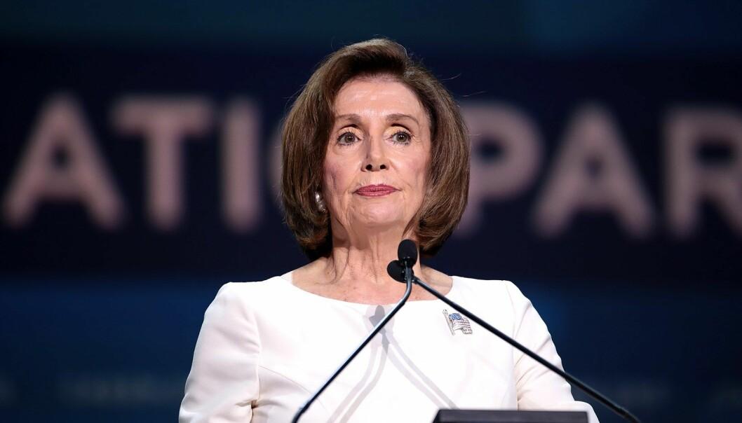 Nancy Pelosi og det demokratiske lederskapet er tvunget til å ta stilling til kravene fra en høylytt venstreving med vind i seilene uten å fremmedgjøre moderate velgere som kan velge å gå til republikanerne i høstens valg.
