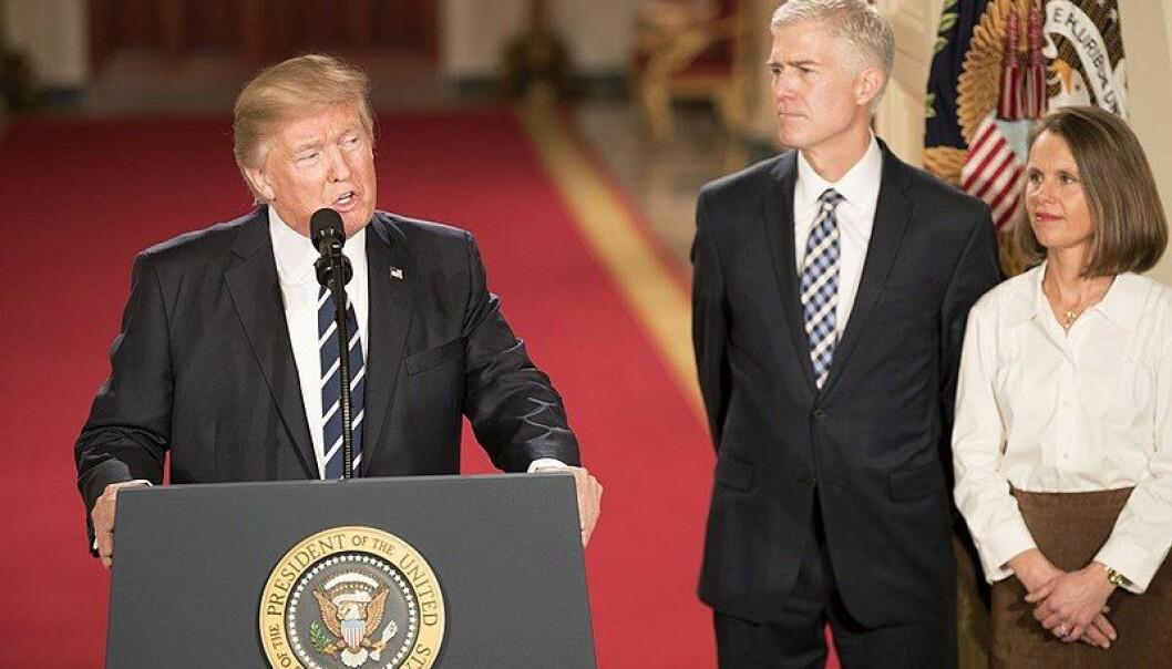 Høyesterettsdommer Neil Gorsuch ble utnevnt av Trump, men stemte delvis mot ham i dag.