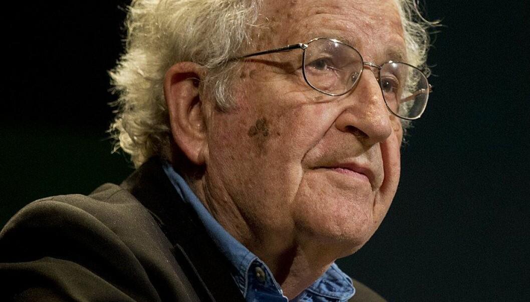 Noam Chomsky er blant dem som advarer mot utviklingen i ytringsklimaet.