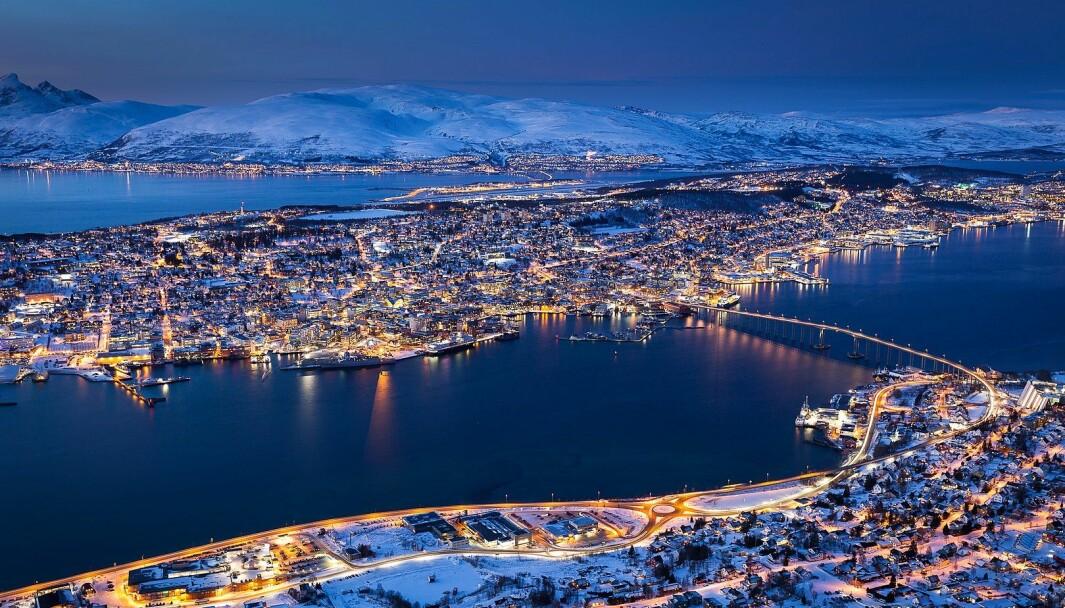 Utviklingen av Tromsø førte til at byen ikke bare så på seg selv som Nordens Paris, men enda mer stormannsgalt: Som Nord-Norges Oslo, skriver Arild Pedersen.