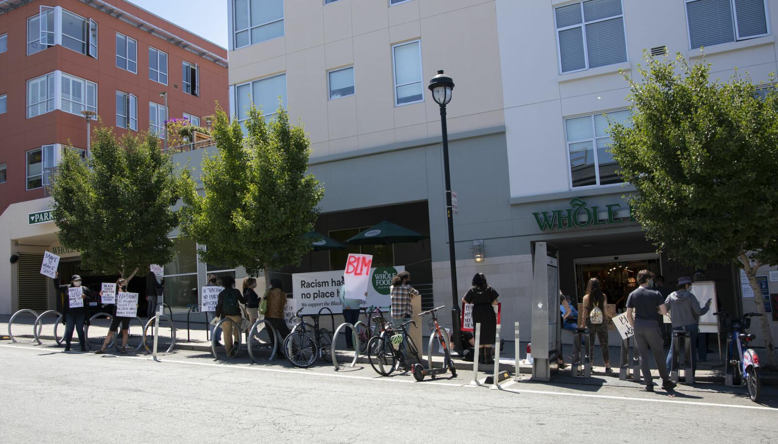 En demonstrasjon utenfor Whole Foods i San Francisco