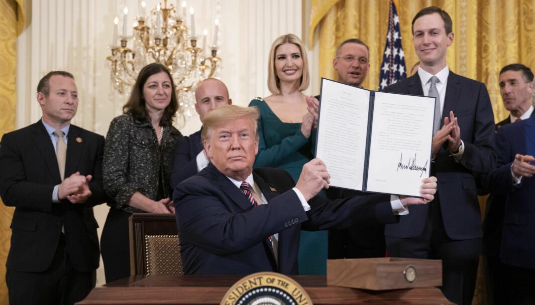 Donald Trump signerte i desember 2019 en presidentordre mot antisemittisme på amerikanske universiteter.