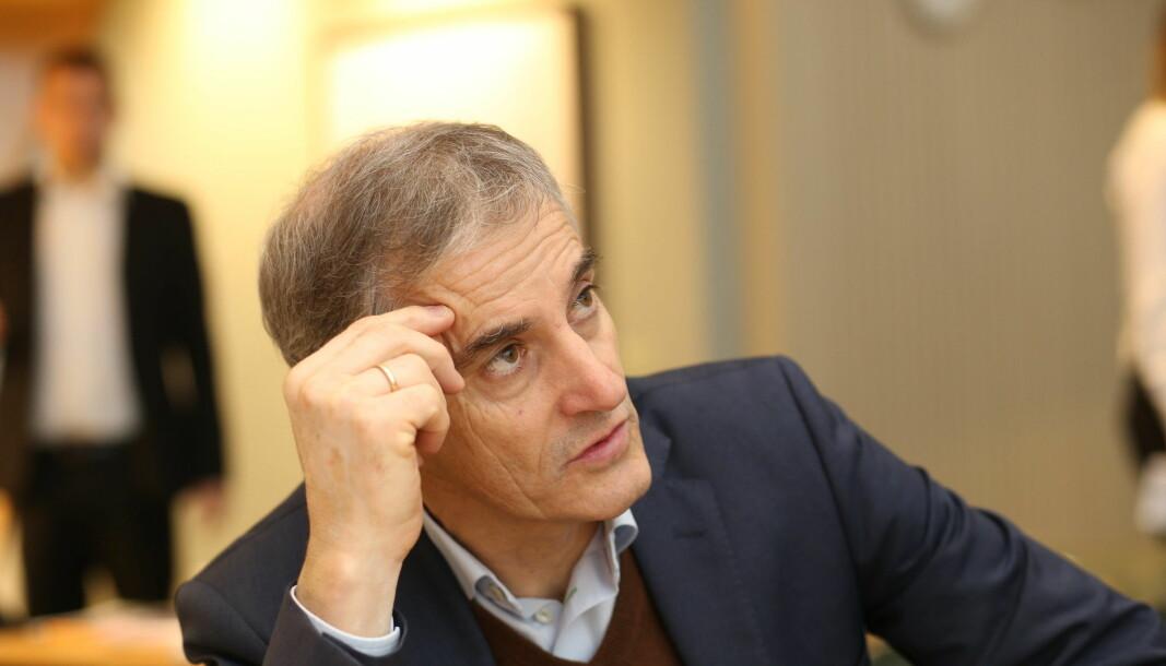 Forsøk på å profilere Jonas Gahr Støre som landets neste statsminister ser ut til å bli undergravd inneninfra