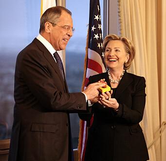 «Reset»-politikken mellom USA og Russland markert i 2009 av utenriksministrene Hillary Clinton og Sergej Lavrov.