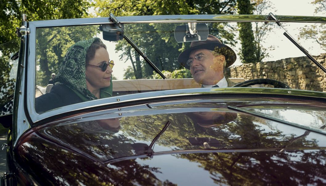 Kronprinsesse Mrtha (Sofia Helin) og president Franklin D. Roosvelt (Kyle MacLachlan) i «Atlantic Crossing».