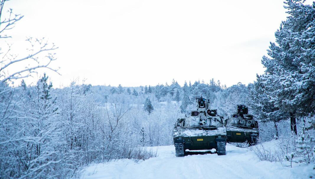 Porsanger bataljon på vinterøvelse i Halkavarre skytefelt.