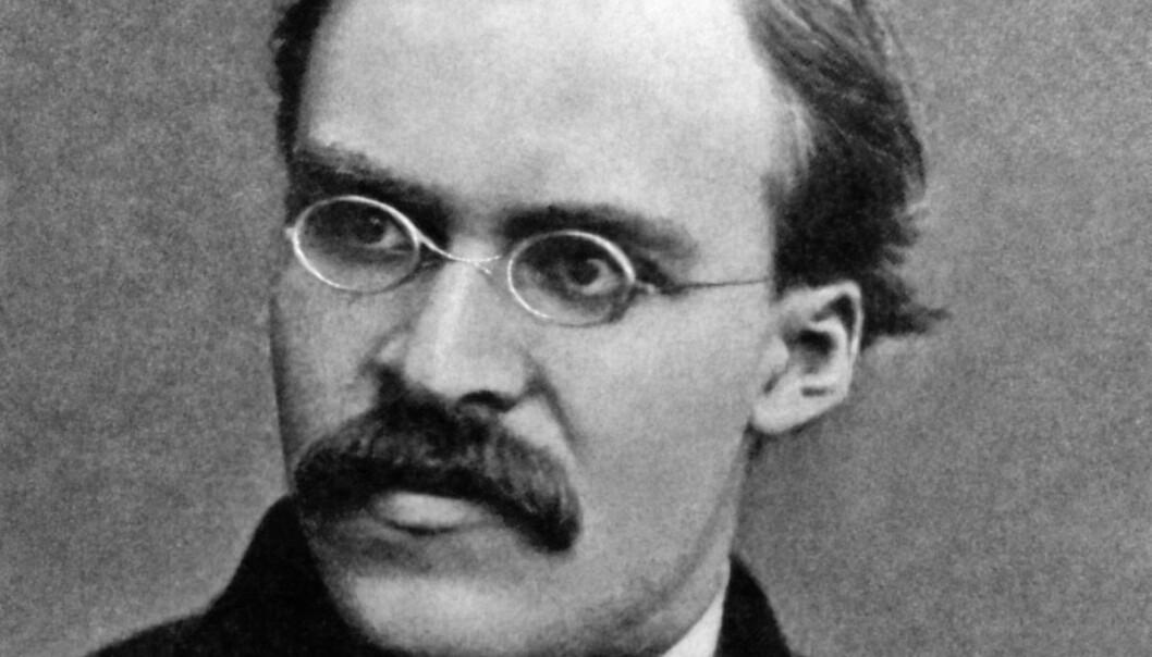 I en ny podkast leser Kristopher Schau og Einar Duenger Bøhn Nietzsche. Her er det mye lærdom å ta med seg i disse koronatider, mener vår anmelder Aslak Versto Storsletten.