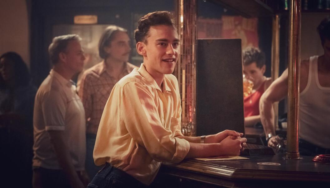 Ritchie Tozer (Olly Alexander) får endelig leve livet sitt fritt etter å ha flyttet fra Isle of Wight til London i «It's A Sin».