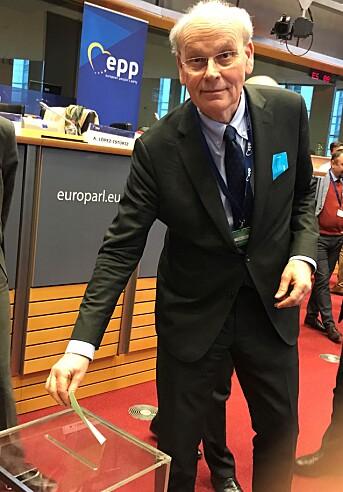 Michael Tetzschner avlegger stemme for suspensjon av Fidesz fra European People's Party (EPP) i mars 2019.