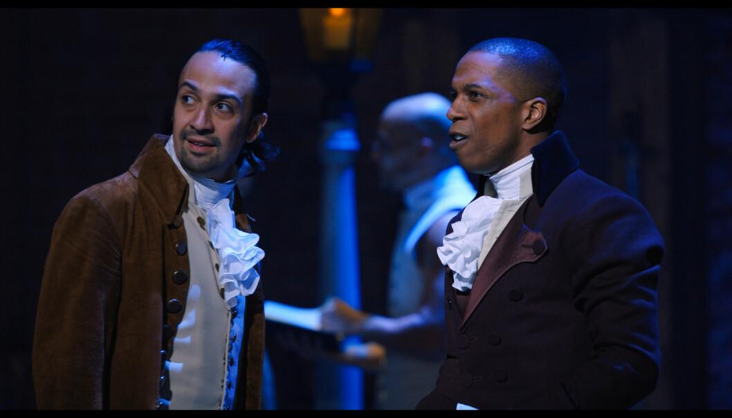 Alexander Hamilton (Lin-Manuel Miranda) og Aaron Burr (Leslie Odom, Jr.) i Hamilton.