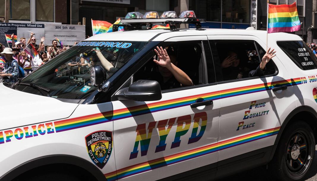 Politiet i New York har både sikret og deltatt i byens Pride-feiring i en årrekke, men er nå ekskludert i minst fire år, melder arrangøren.