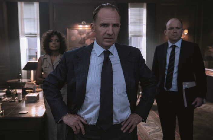 Moneypenny (Naomie Harris), M (Ralph Fiennes) og Tanner (Rory Kinnear)